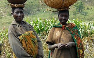 batwa people in bwindi